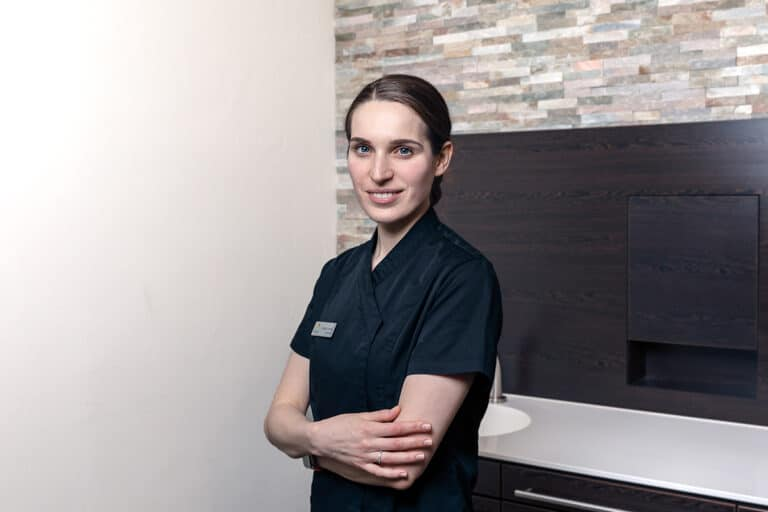 Zahnärztin Victoria Thomas