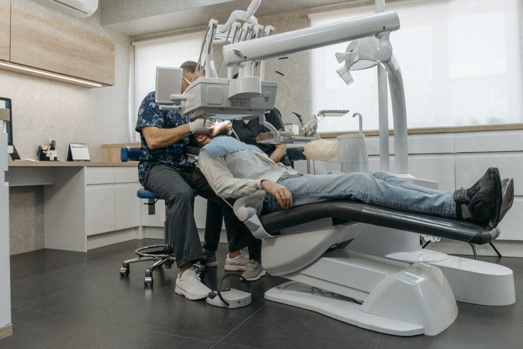 Behandlung beim Zahnarzt